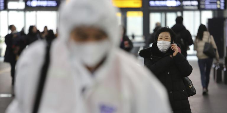 Κοροναϊός: Ξεφεύγει η κατάσταση – 56 νεκροί στην Κίνα, 2.000 κρούσματα