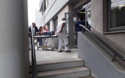 Τρίκαλα: Εικόνες σοκ μετά την πτώση γυναίκας στο κενό από τον 4ο όροφο του νοσοκομείου (Eικόνες)