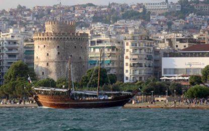 Θεσσαλονίκη: Ο βυθός του Θερμαϊκού έκρυβε αυτές τις εικόνες! Οι περαστικοί προσπαθούσαν να πιστέψουν στα μάτια τους(Βίντεο)