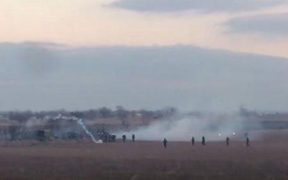 Έβρος – Ακραία πρόκληση Τουρκίας: Στέλνει στρατιωτικά οχήματα για να συνοδεύσουν τους μετανάστες
