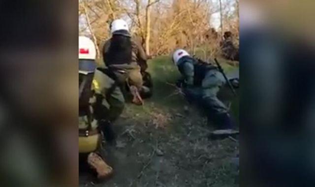 Έβρος: Πυρά κατά των ανδρών των ΜΑΤ (VIDEO)