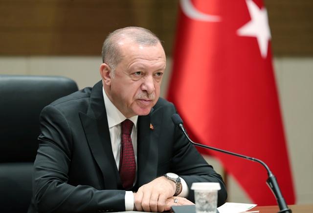 «Πόλεμος» Ερντογάν σε Netflix, YouTube, Twitter! Απειλεί να τα κλείσει μετά τις «προσβολές»
