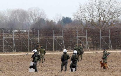 """Έτσι """"θωρακίζονται"""" τα σύνορα στον Έβρο – Οι ελληνικές δυνάμεις και το αυστριακό """"Θηρίο"""""""