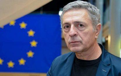 Διαγωνισμός χυδαιότητας στον ΣΥΡΙΖΑ: Και ο Κούλογλου απειλεί «όταν γυρίσω θα τους… γαμ@σω» (Eικόνα)