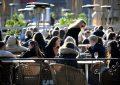 Κορονοϊός: Το… παράδοξο της Σουηδίας – Γιατί δεν παίρνει μέτρα