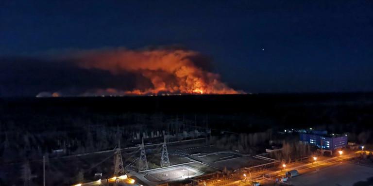 Σοβαρό πρόβλημα στο Τσέρνομπιλ: Η φωτιά πλησιάζει το κουφάρι του πυρηνικού σταθμού