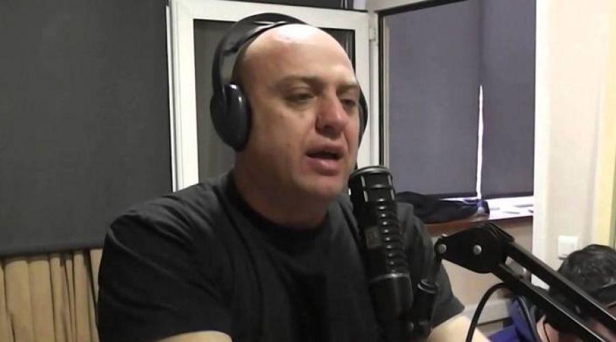 Η αστυνομία σταμάτησε την εκπομπή του Ραπτόπουλου (Bίντεο)
