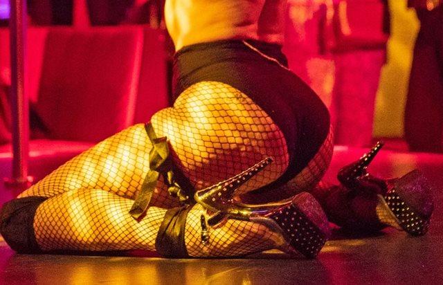 Κορωνοϊός: «Χρυσές» δουλειές στο Instagram για τα… virtual strip clubs(Εικόνες)