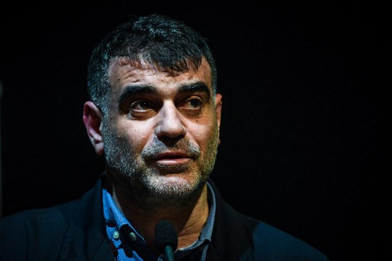 Χυδαία επίθεση Βαξεβάνη σε Σωτήρη Τσιόδρα- Τον χαρακτηρίζει χαρτορίχτρα σαν την Αση Μπίλιου