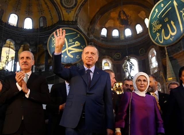 Έτσι θα γίνει η προσευχή στην Αγιά Σοφιά: Το προκλητικό corona-show του Ερντογάν για την επέτειο της Άλωσης