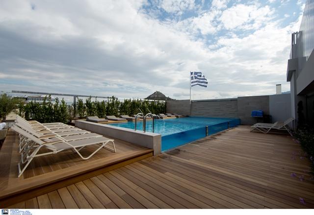 Κορονοϊός και διακοπές: Ρεσεψιόν με plexiglass, πισίνα με βάρδιες και υπαίθριο check in στα ξενοδοχεία