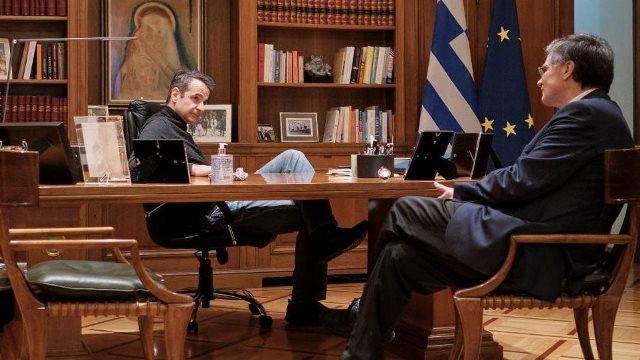 Δημοσκόπηση: Το 75% των πολιτών επικροτεί τους χειρισμούς της κυβέρνησης για τον κορωνοϊό