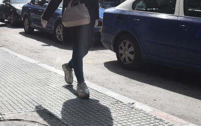 Παρουσιάστρια σε υστερία ουρλιάζει σε μαγαζί της Θεσσαλονίκης! Δεν ήθελε να βάλει αντισηπτικό (Bίντεο)
