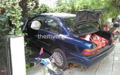 Θεσσαλονίκη: Αυτοκίνητο διαρρηκτών έπεσε σε αυλή οικοδομής μετά από καταδίωξη(Εικόνες)