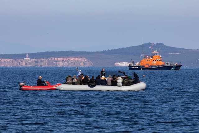 """Πρόκληση Τούρκου υφ. Εξωτερικών: """"Οι Έλληνες πυροβολούν τους μετανάστες με πραγματικές σφαίρες"""""""