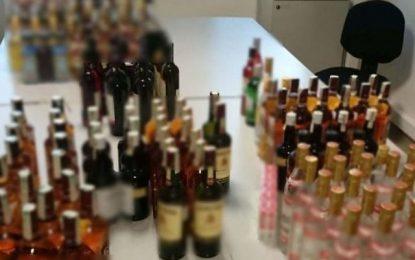 Συμμορία έκλεβε ποτά από σούπερ μάρκετ και τα πουλούσε- Πάνω από 20.000 ευρώ η λεία τους