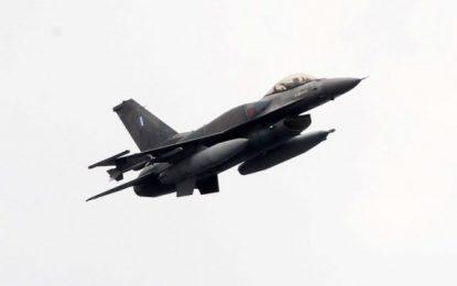 F16 έσπασαν το φράγμα του ήχου με τις αερομαχίες τους στο Καστελόριζο: «Τρόμαξαν οι γριες»(Βίντεο)