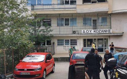 Σε κρίσιμη κατάσταση οι δύο τραυματίες της επίθεσης με το τσεκούρι! Πρωτοφανής αγριότητα στην Κοζάνη!