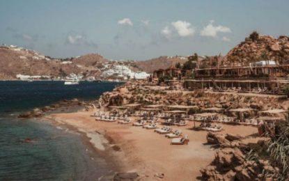 Condé Nast Traveller: Το «Scorpios» στη Μύκονο πρώτο στη λίστα των κορυφαίων beach bars του πλανήτη(Εικόνες)