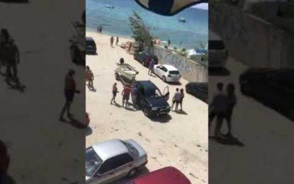 Απίστευτα πράγματα: Άγριο ξύλο σε παραλία της Χαλκιδικής για μια βάρκα(Βίντεο)