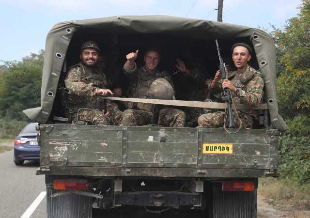 Ταξίδι Δένδια στην Αρμενία – Πρωτοβουλία για αποκλιμάκωση στο Ναγκόρνο Καραμπάχ – Προειδοποίηση στην Τουρκία