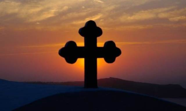 Σήμερα η Ύψωση Τιμίου Σταυρού: Τα έθιμα της ημέρας