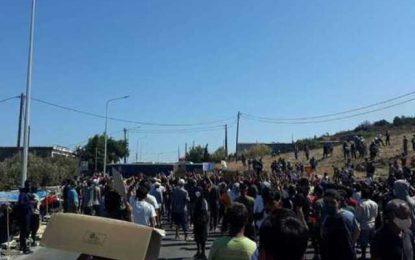 Πετροπόλεμος με μετανάστες στη Λέσβο
