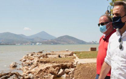 Κακοκαιρία «Ιανός»: Στην Καρδίτσα ο Μητσοτάκης -Σε εξέλιξη επιχείρηση απεγκλωβισμού στην Οξυά, με ελικόπτερα