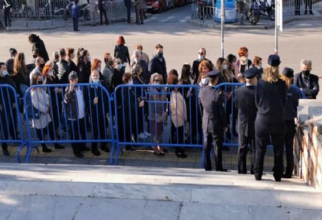 Θεσσαλονίκη: Ουρές για προσκύνημα στον Άγιο Δημήτριο(Βίντεο)