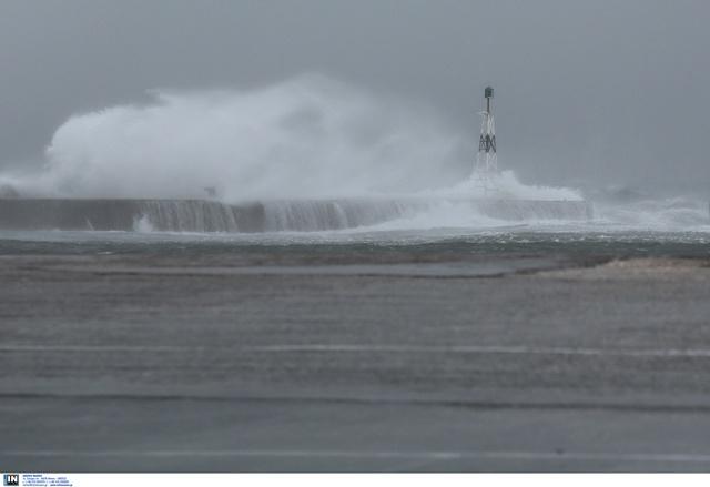 """Καιρός: """"Σαρώνει"""" τη χώρα η Κίρκη! Καταιγίδες, δυνατοί άνεμοι και σκόνη – Πότε και που θα """"χτυπήσει""""!"""