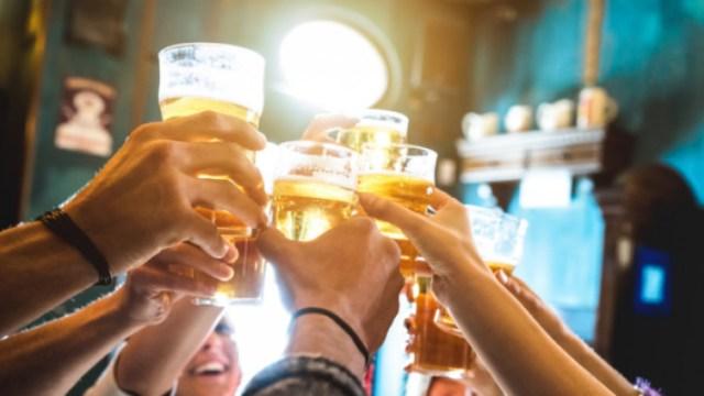 Θεσσαλονίκη: Έτσι στήνονται μεγάλα κορονοπάρτι σε σπίτια και βίλες που μισθώνονται μέσω Airbnb – Το κόλπο των διοργανωτών