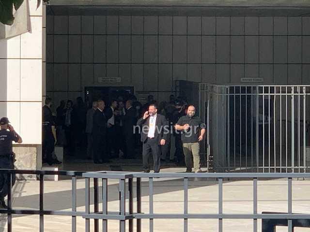 Δίκη Χρυσής Αυγής: Κανένα ελαφρυντικό στην ηγετική ομάδα αλλά και στον Γιώργο Ρουπακιά – Παιχνίδι Λαγού στις καθυστερήσεις