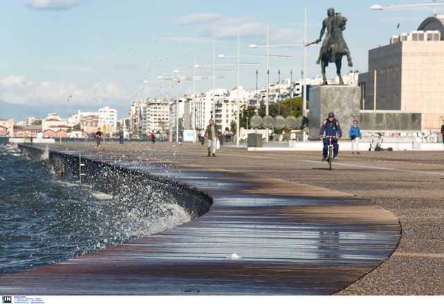 Στην Περιφερειακή Ενότητα Θεσσαλονίκης εντοπίστηκαν  τα 606 από τα 2311 κρούσματα