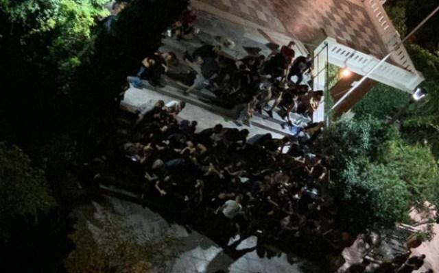 Κορωνοϊός: Πάρτι στην Ασκληπιού με 300 άτομα και ψυγείο με μπύρες! -Συνωστισμός χωρίς όρια (Eικόνα)