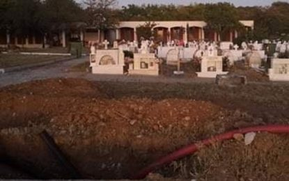 Θεσσαλονίκη: Σκάβουν νέους τάφους για τα θύματα του κορονοϊού! Οι πρώτες εικόνες στον Εύοσμο(Εικόνες)