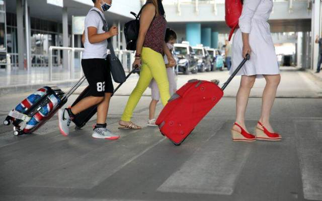 Ικανοποιητικές αφίξεις τουριστών στο Νότιο Αιγαίο παρά την έξαρση της πανδημίας