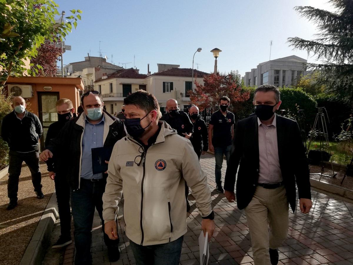 """Κορονοϊός: Στη Θεσσαλονίκη ο Νίκος Χαρδαλιάς λίγο πριν μπει και επισήμως σε """"πορτοκαλί"""" συναγερμό"""