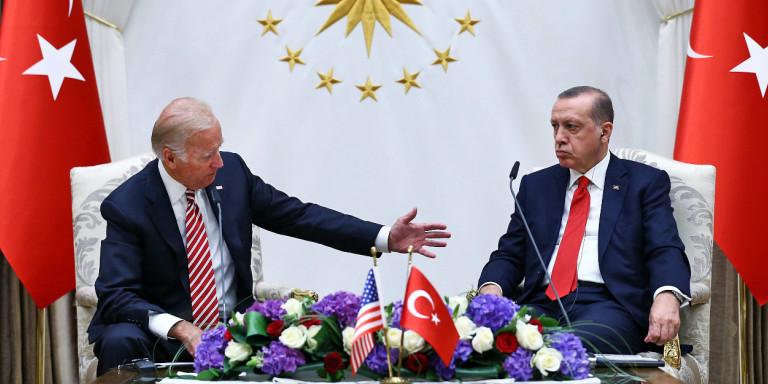 Να γιατί η νίκη του Μπάιντεν προκαλεί πονοκεφάλους στην Τουρκία του Ερντογάν