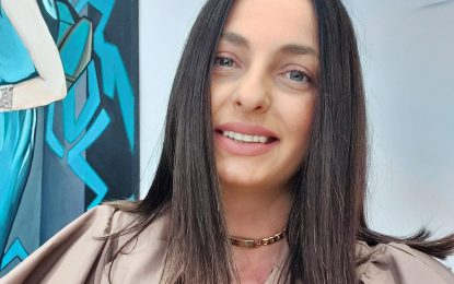 Σέρρες, Ντίνα Μπασδάρα: Ξέσπασε για την άγρια επίθεση από αδέσποτα στην μητέρα της και το παιδί της!