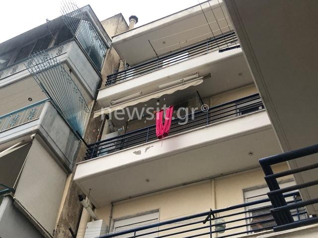 Θεσσαλονίκη: Αγωνία για το παιδάκι που έπεσε στο κενό από μπαλκόνι τρίτου ορόφου(Εικόνες&Βίντεο)