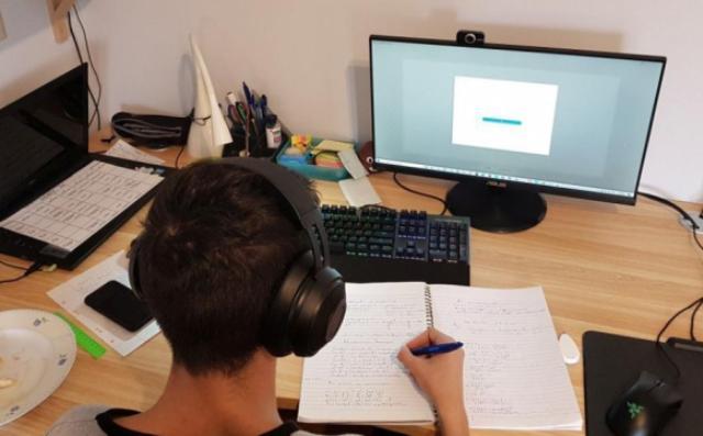 Voucher 200 ευρώ για laptop – tablet: Ποιοι είναι οι δικαιούχοι