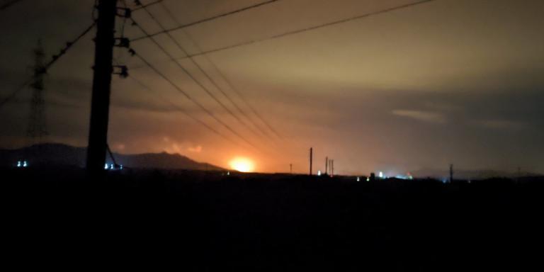 Μπλακ άουτ στη μισή Αττική και στην Κορινθία από έκρηξη σε μετασχηματιστή