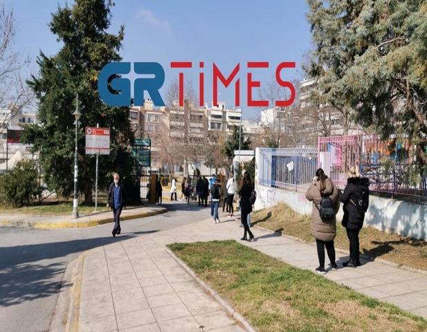 Θεσσαλονίκη – Κορονοϊός: Ουρές για ένα rapid test μετά τα 11 κρούσματα νοτιοαφρικανικής μετάλλαξης(Βίντεο)