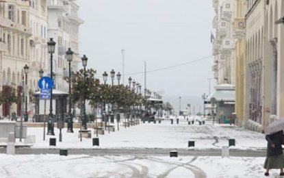 Πανικός στη Θεσσαλονίκη: Έβγαλε τα ρούχα της και περπατούσε γuμνή στα χιόνια