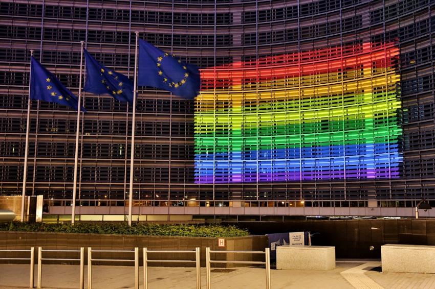 Το Ευρωκοινοβούλιο κήρυξε την ΕΕ «Ελεύθερη Ζώνη για ΛΟΑΤΚΙ» – «Όχι» από Λαγό και Ζαγοράκη