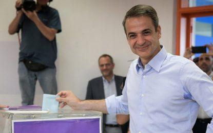 Tα τρία «κρυφά» σημάδια που δείχνουν ότι ο Μητσοτάκης σχεδιάζει πρόωρες εκλογές
