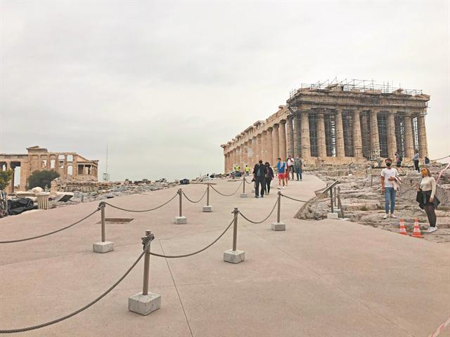Μανώλης Κορρές για την Ακρόπολη: Η τελική επίστρωση θα ομοιάζει την αρχαία