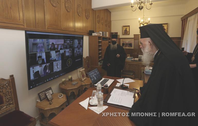 Η Εκκλησία αποφάσισε ομόφωνα στις 21.00 η Ανάσταση