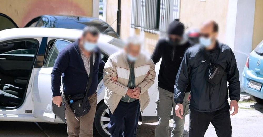 Κορωπί: Προφυλακιστέος ο 76χρονος παιδοκτόνος μετά την απολογία σοκ – «Προσπάθησα να σώσω τον άλλο μου γιο»
