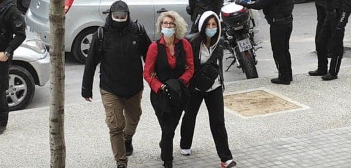 Στον εισαγγελέα η μητέρα που κατηγορείται για διασπορά ψευδών ειδήσεων για τα self test
